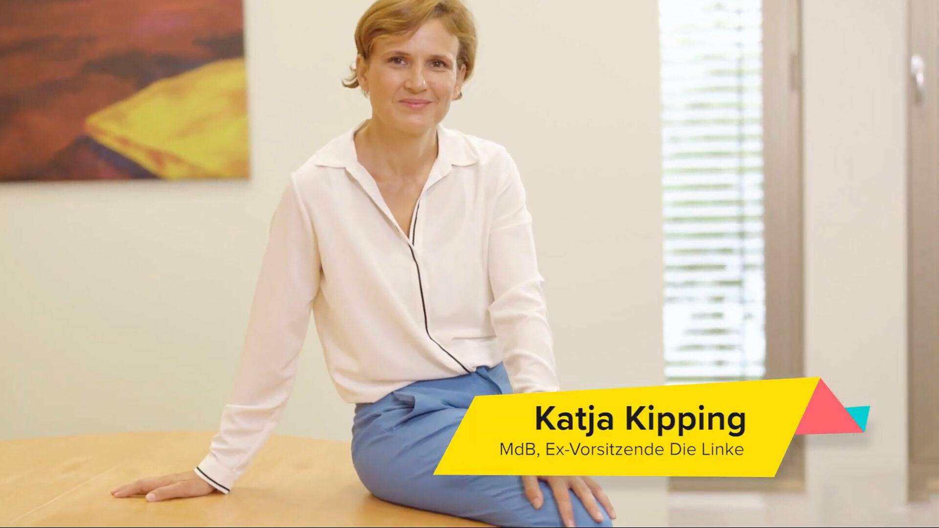 Videostill mit Katja Kipping im Wahlcamp Interview