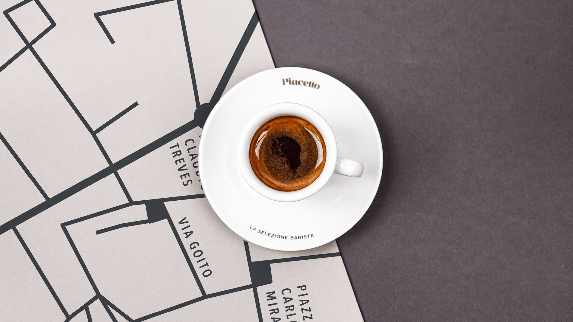 Piacetto Espressotasse mit Landkartenuntergrund